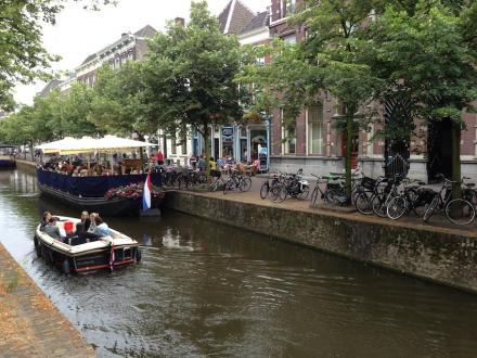 Terrasboten in Delft