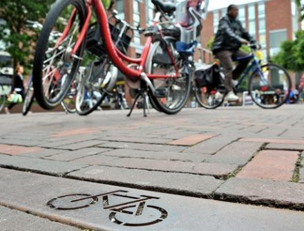 fietsparkeren in de binnenstad van Delft