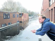 Zuidergracht woonbootbezitters zijn boos